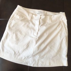 Nike Dry Fit Golf Skirt/ skort Size 8 White